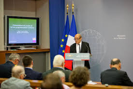 Jean-Yves Le DRIAN, Ministre de la défense, présente la Loi de programmation militaire (LPM)
