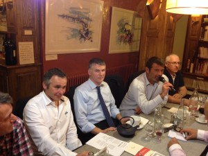 Philippe FOLLIOT entouré de Serge MILHAS (à gauche) et David DARRICARRERE (à droite). DARRICARRERE