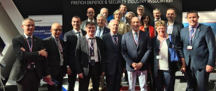 Philippe FOLLIOT en visite sur le salon Eurosatory
