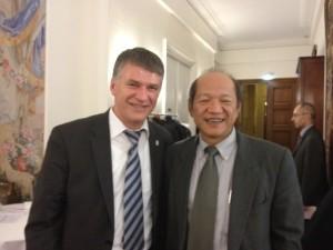 philippe et Mr CHI représentant l'Etat de Taiwan