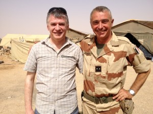 Philippe FOLLIOT avec le Général BARRERA, Commandant des forces terrestres de l'opération Serval