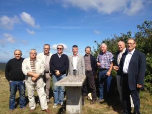Philippe FOLLIOT entouré d'élus de la  montagne au Pic du Montalet