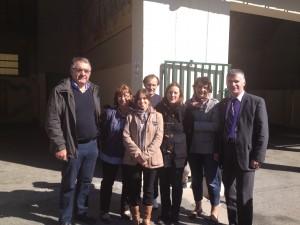 Philippe FOLLIOT en compagnie de la communauté éducative de l'école élémentaire de Lacaune, et du maire, André CABROL.