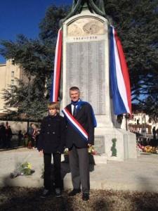 Philippe FOLLIOT, et député junior, Loïc SOULET, participent à la cérémonie du 11 novembre.