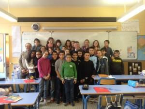 Philippe FOLLIOT avec les élèves de la classe de CM2 de l'Ecole de la Pause
