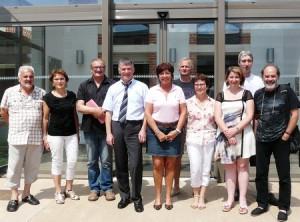 Philippe FOLLIOT entouré du conseil municipal de Fréjairolles