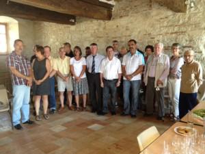 Philippe FOLLIOT entouré du conseil municipal de Labastide-Dénat