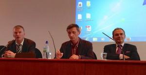 Philippe FOLLIOT, au côté de Philippe CHAPLEAU, journaliste et d'Emmanuel DUPUY, Président d'IPSE
