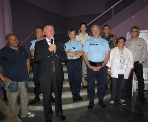 Philippe FOLLIOT entouré d'élus et d'intervenants auprès des jeunes