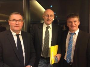 Philippe FOLLIOT aux cotés de Monsieur Bernard LAPORTE et de Monsieur Germinal PEIRO, Co-Président du XV Parlementaire