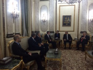 La délégation française aux côtés du Premier Ministre égyptien Ismaeïl CHERIF