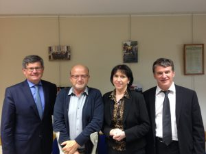 Philippe FOLLIOT aux côtés de Philippe BONNECARRERE, Sénateur, et de Madame Martine BESSIERE et Monsieur Guy BOUSQUET, membres de l'association VIA 81