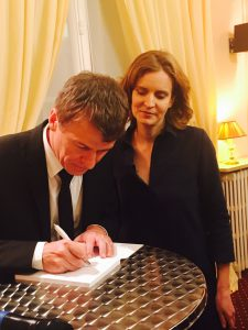 Philippe FOLLIOT dédicace son livre à Nathalie KOSCIUSKO-MORIZET
