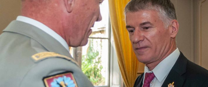 Philippe FOLLIOT décoré de la médaille des services militaires volontaires