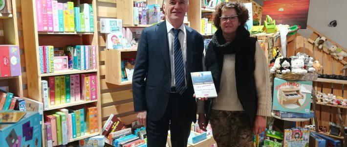Philippe FOLLIOT sillonne la circonscription pour  tenir des permanences cantonales et dédicacer son nouveau livre
