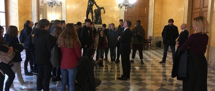 Les élèves du collège Balzac d'Albi visitent l'Assemblée nationale