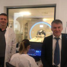 Clinique du Sidobre: Philippe FOLLIOT découvre le nouvel IRM