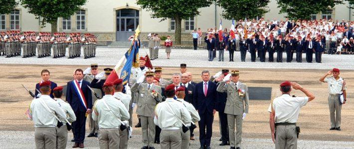 Philippe FOLLIOT présent lors de la passation de commandement au 8e RPIMa