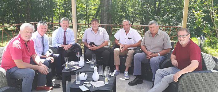 A Burlats, les parlementaires déjeunent avec les élus du secteur de Roquecourbe