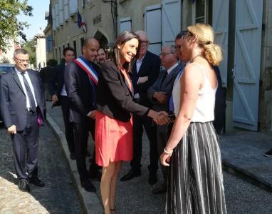 Philippe FOLLIOT représenté par Muriel ROQUES ETIENNE lors de la visite tarnaise de la Secrétaire d'Etat Brune POIRSON