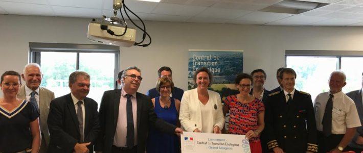Muriel ROQUES ETIENNE auprès de la Secrétaire d'Etat à la Transition écologique et solidaire Emmanuelle WARGON en visite dans le Tarn