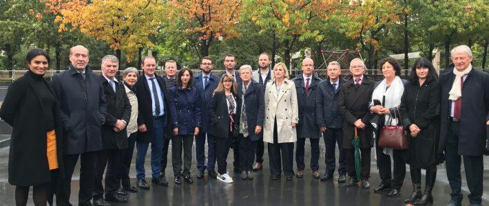 Philippe FOLLIOT et les membres de la Commission de la Défense visitent le Mémorial OPEX à Paris