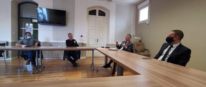 Saint-Juery, Débat avec le sénateur Philippe Folliot