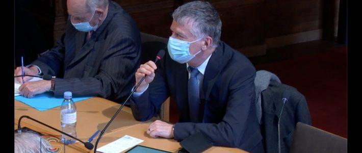 Philippe Folliot interroge MM. Antoine Bouvier et Dirk Hoke du groupe Airbus
